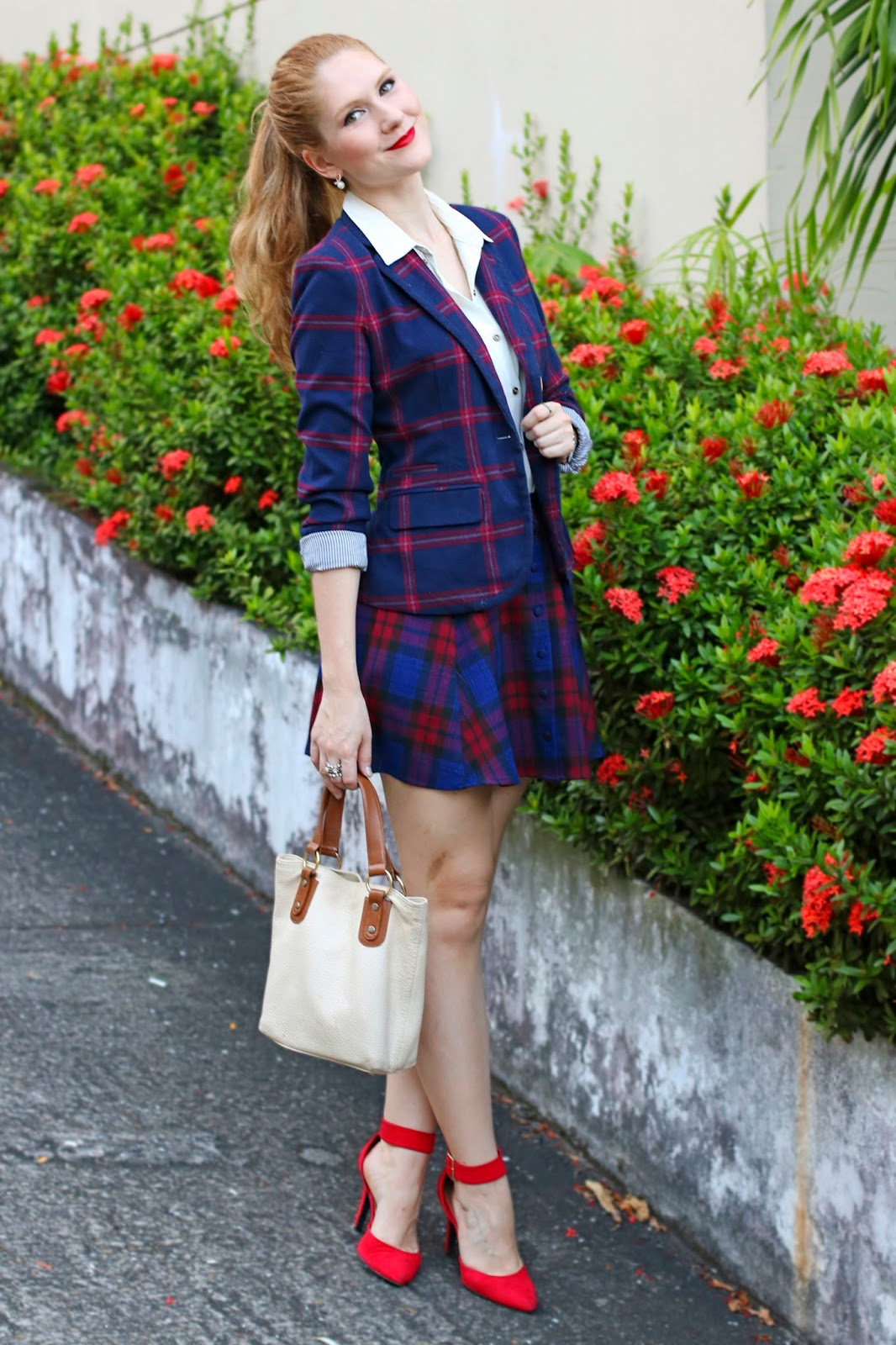 Loving this cute plaid outfit for Christmas!