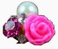 http://www.vitrine-beaute.com/bijoux/1435-bijou-ongle-rose-et-perle.html