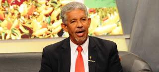 Denuncian irregularidades en la Gobernación Santo Domingo.