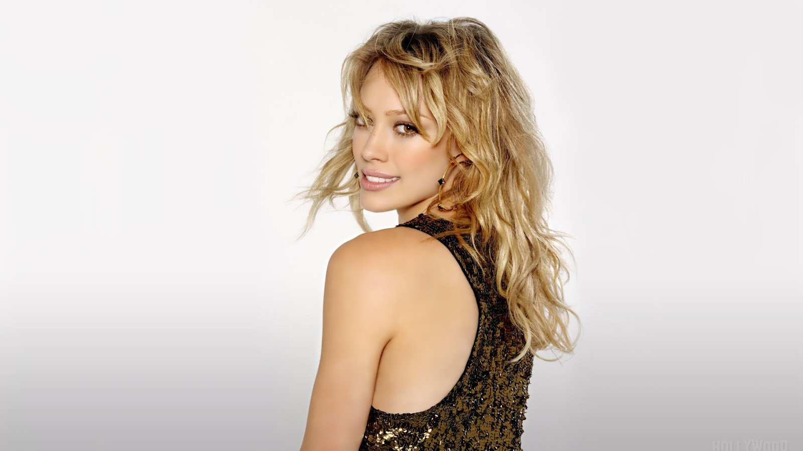 http://3.bp.blogspot.com/-1ZzUq4lVspI/UA9L2pXGaMI/AAAAAAAABHI/R5gFD3x6Hns/s1600/Hilary-Duff-hilary-duff-female-celebrities-wallpaper-widescreen-supermodel-1920x1080.jpg