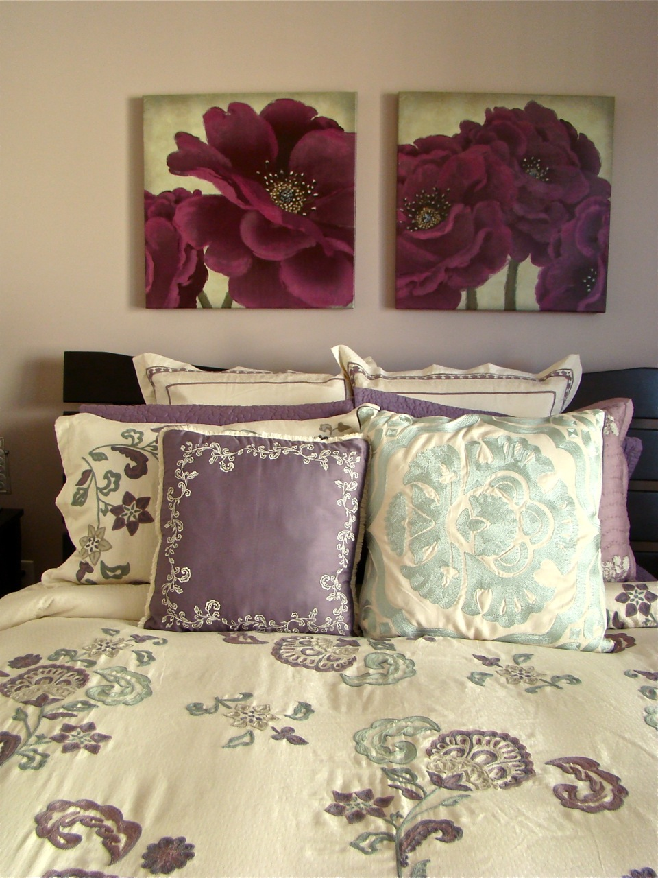 what colors go with purple. Black Bedroom Furniture Sets. Home Design Ideas