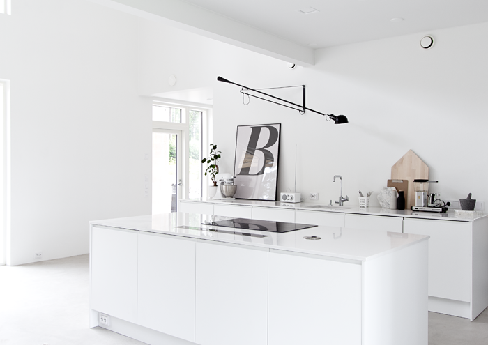 dream kitchen - musta ovi blog - via scandinavianlovesong