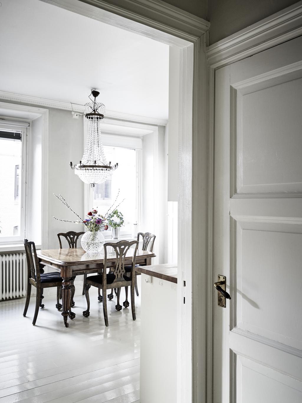 Interior n rdico con toques cl sicos y mucho glamour for Interiores clasicos