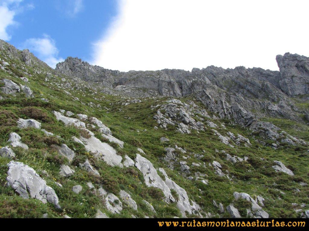 Ruta Tuiza Siegalavá: Entrando en la zona de la pedrera