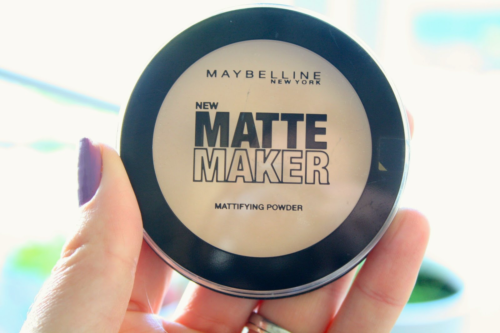 Maybelline-Matte-Maker-Powder-Review