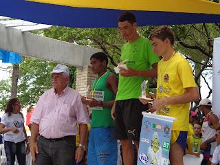 Premiação dos vencedores em suas categorias.