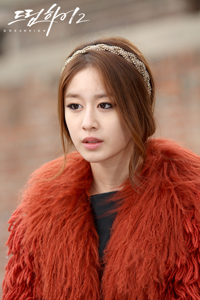 Jiyeon of t-ara is getting prettier as each episode airs, not to mention the fact that she is becoming a fashionista