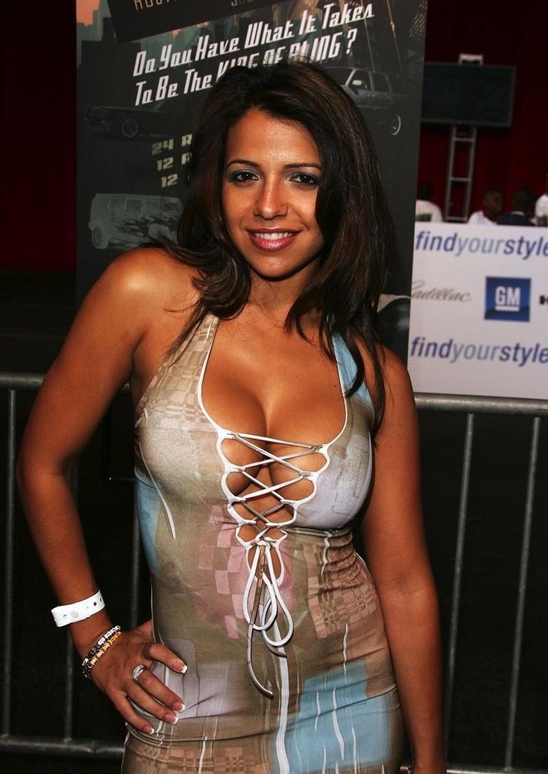Watch Vida Guerra Cuba United States video