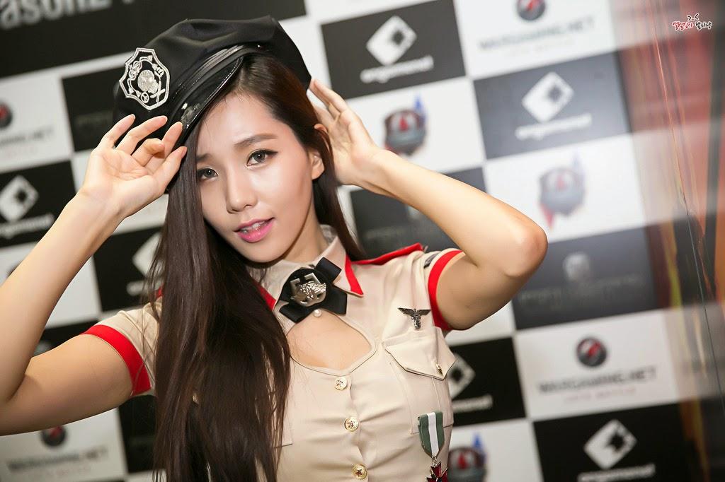 Lee Ji Min World of Tanks Cute Commander