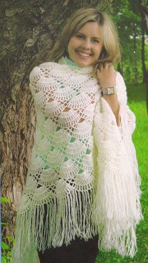 Chal con lindo diseño - con patrón crochet
