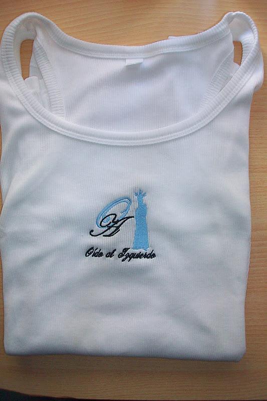 Camisetas Oído al Izquierdo