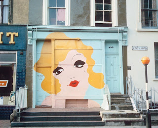 Swinging london murals, rr enriquez sex movie
