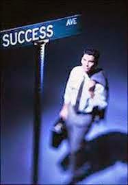 beruntung dan sukses