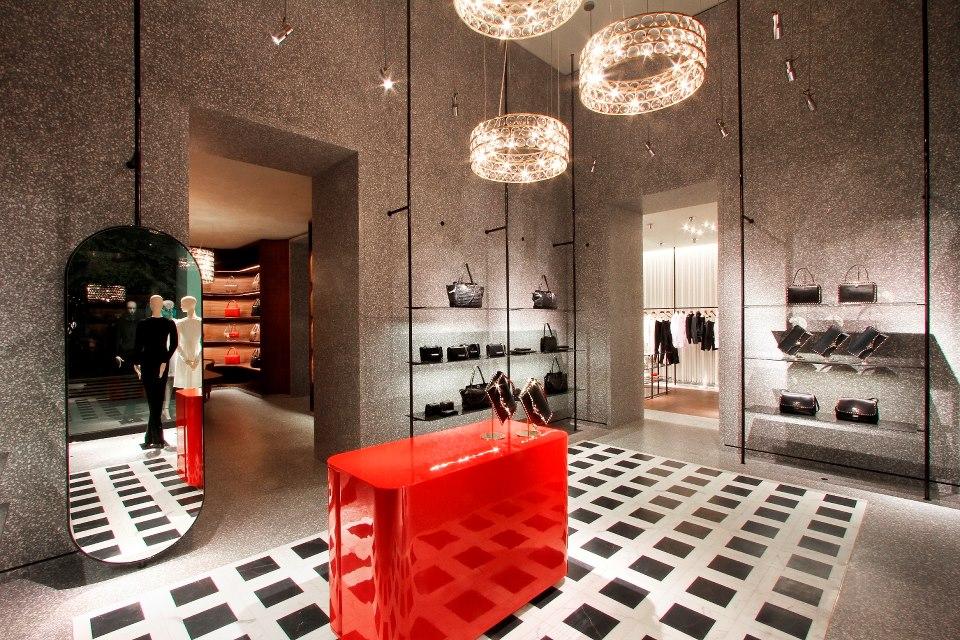 Andrea janke finest accessories the new valentino store for Valentino via turati milano