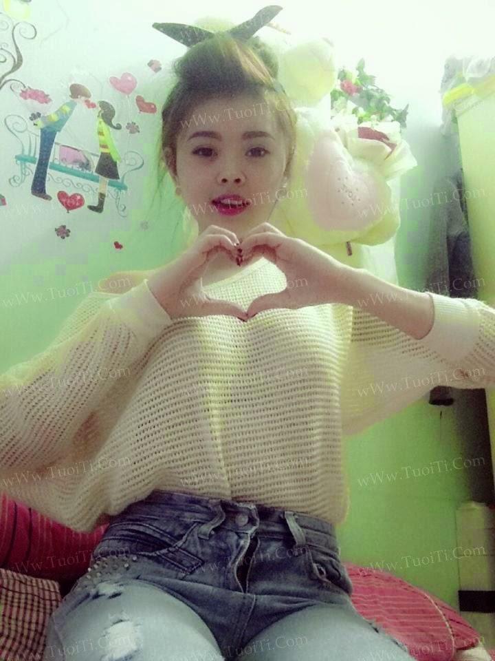 Ảnh gái xinh Yuni Trang trẻ nhưng siêu dâm 3