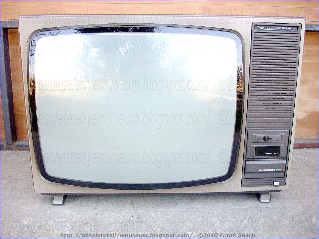 Obsolete Technology Tellye !: INDESIT TYPE TC26SI YEAR 1978.