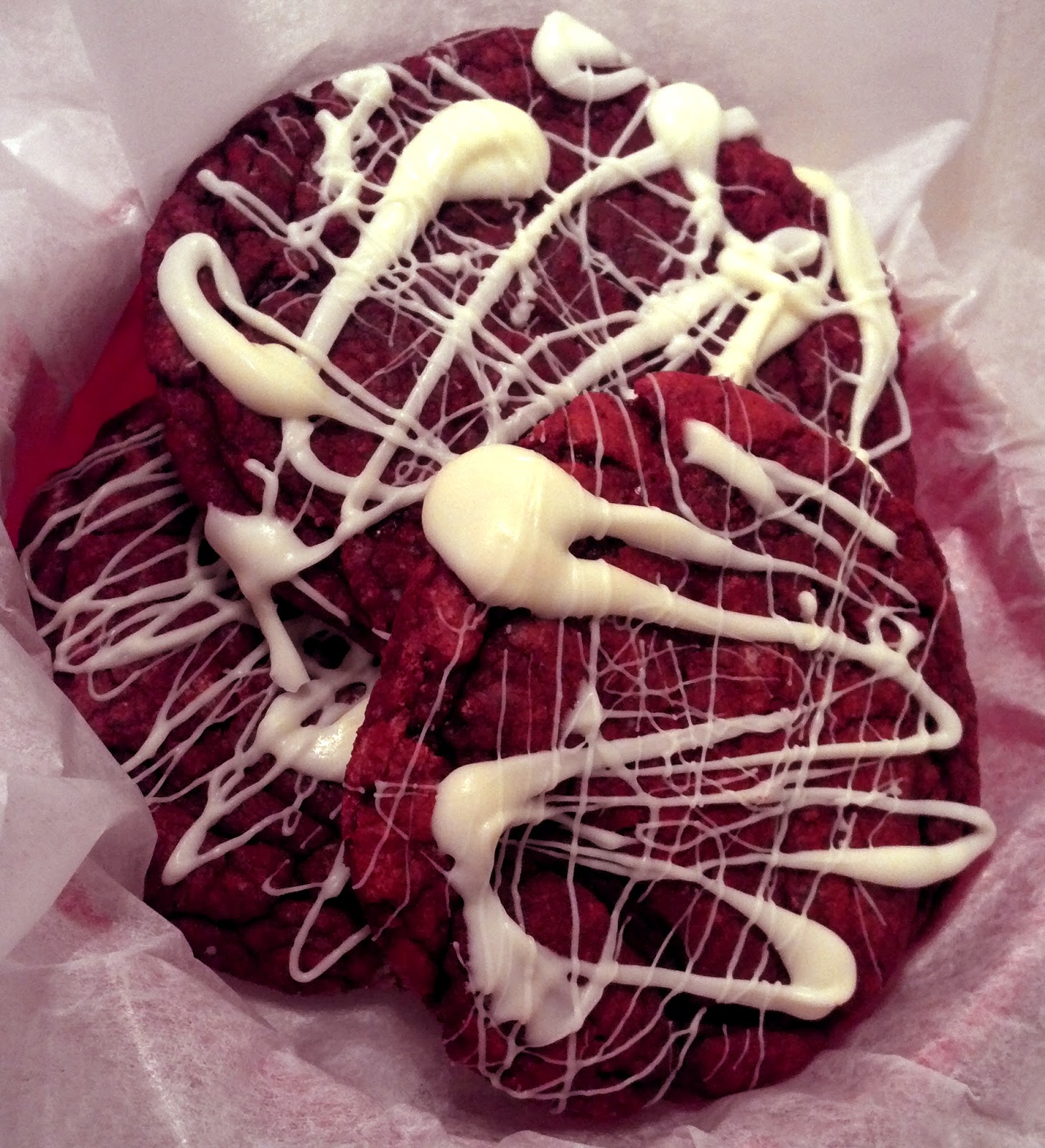 The Sorority Girl: Red Velvet Cheesecake Cookies