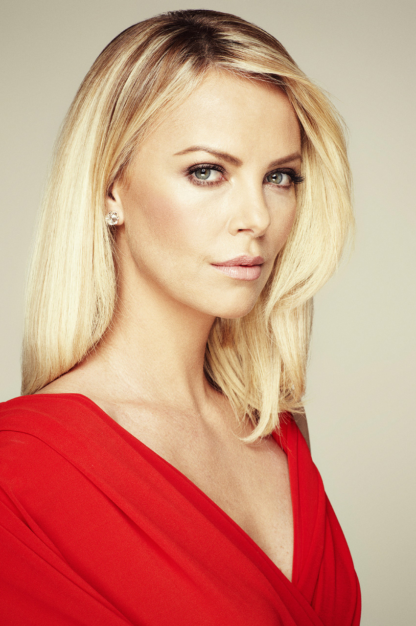 Charlize Theron - Glamorously Beautiful | Hollywood's Most ... Charlize Theron