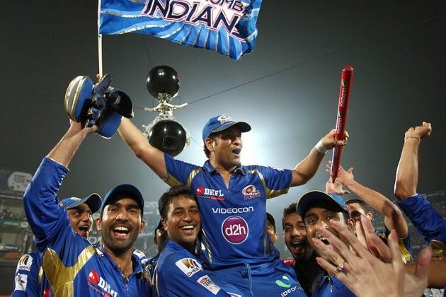 Sachin-Tendulkar-MUMBAI-INDIANS-WIN-CLT20-2013