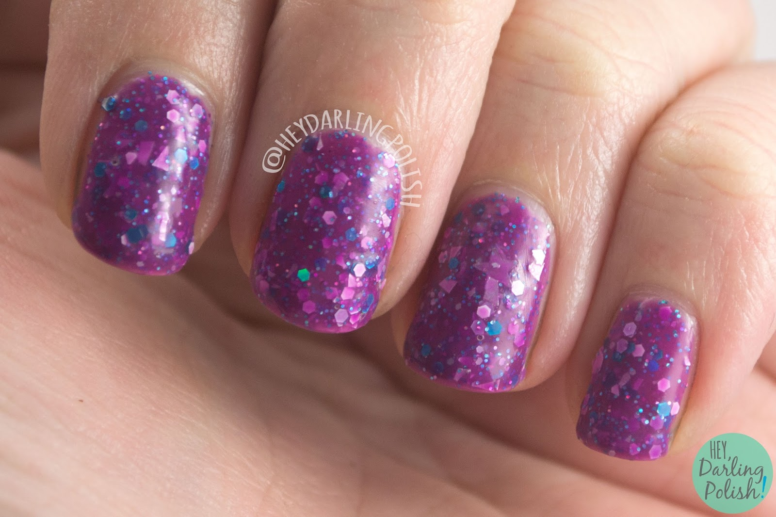 nails, nail polish, indie polish, kbshimmer, hey darling polish, midsummers night, glitter, fuchsia, swatch