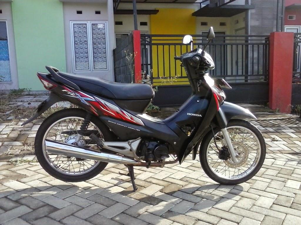 Honda Fit X 2008 Hitam Plat H Semarang