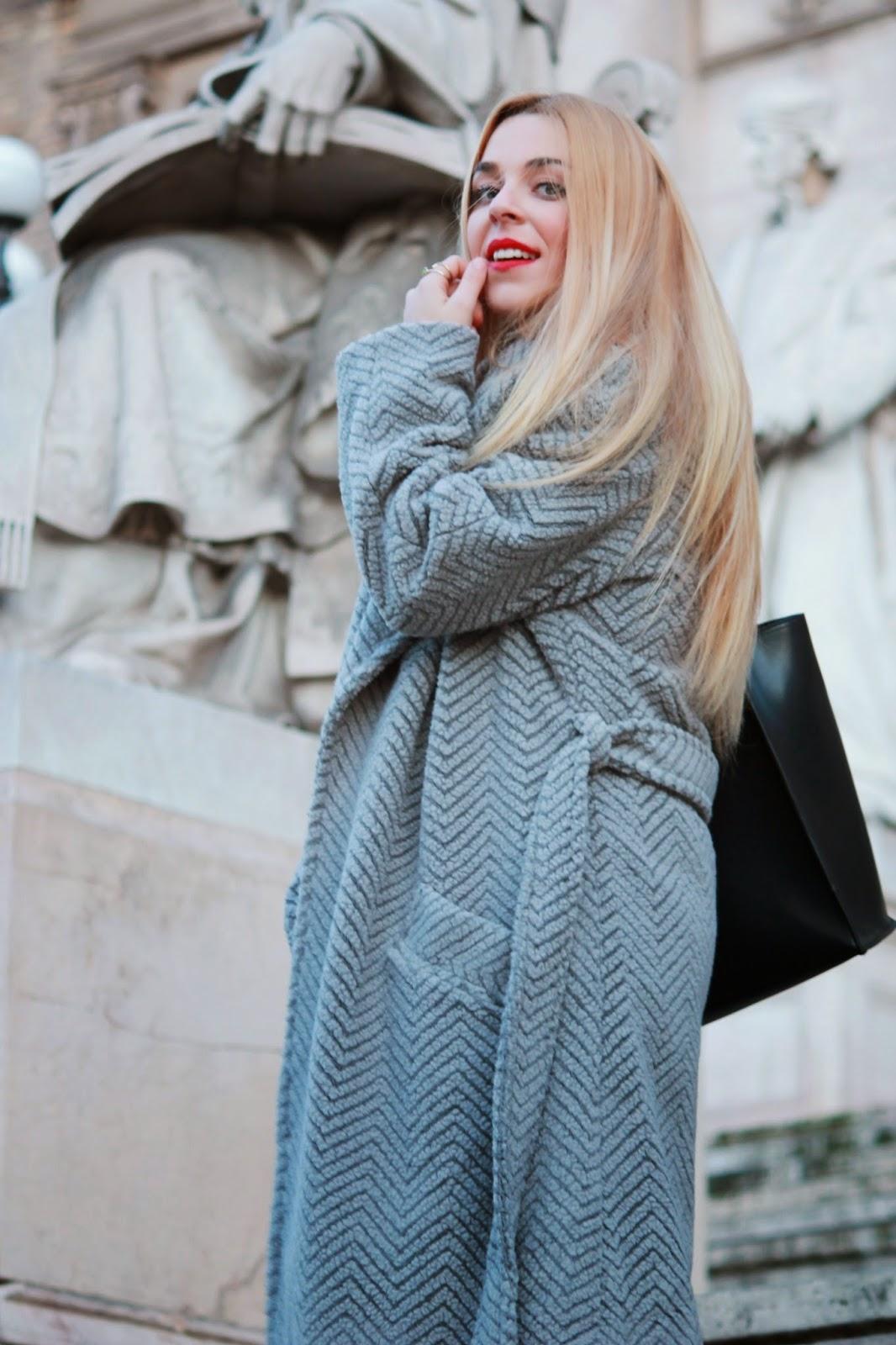 Look abrigo gris