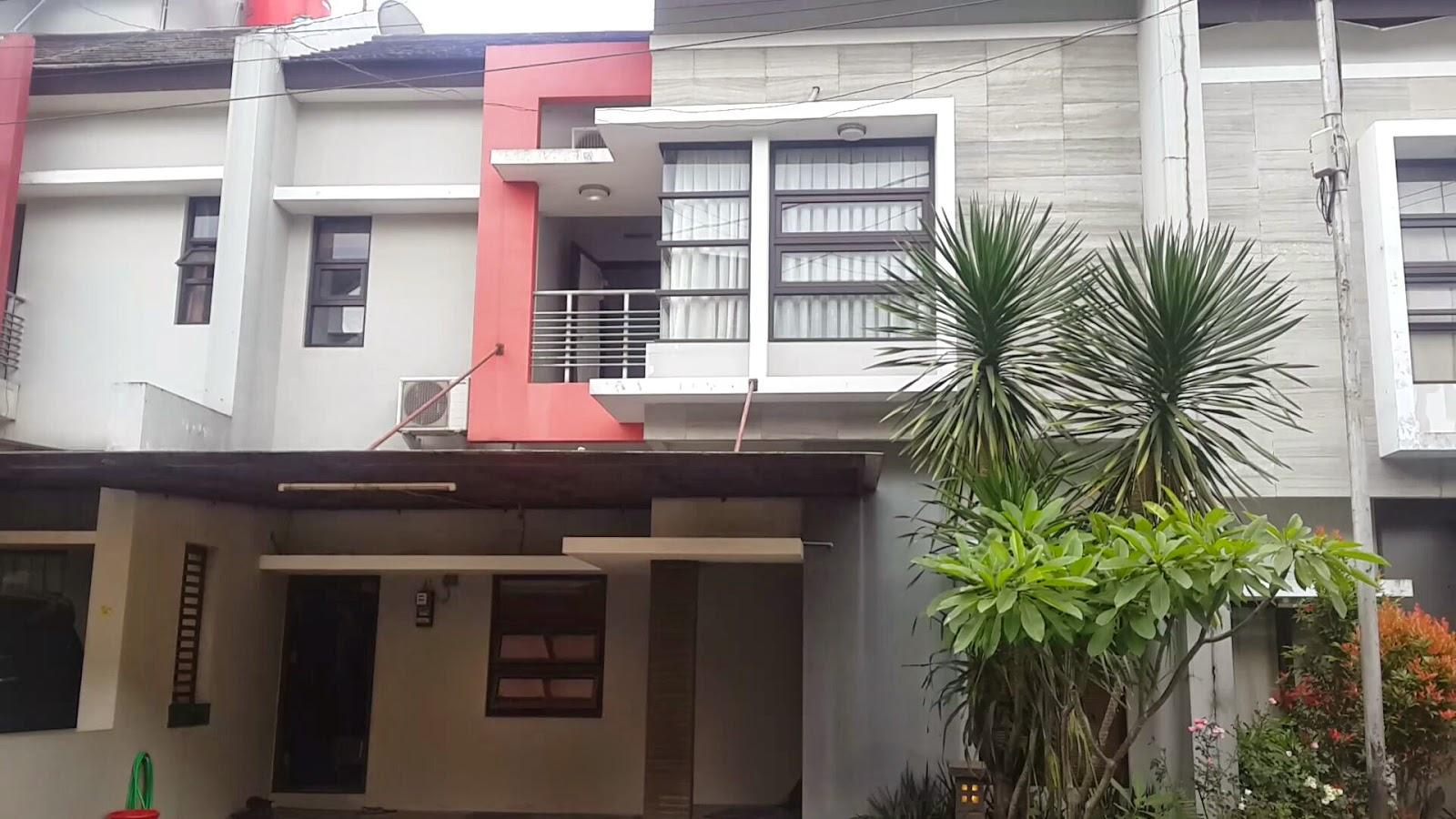 Rumah Dijual di Cluster cassa de esta Cigadung dago atas bandung tampak depan Desember 2014