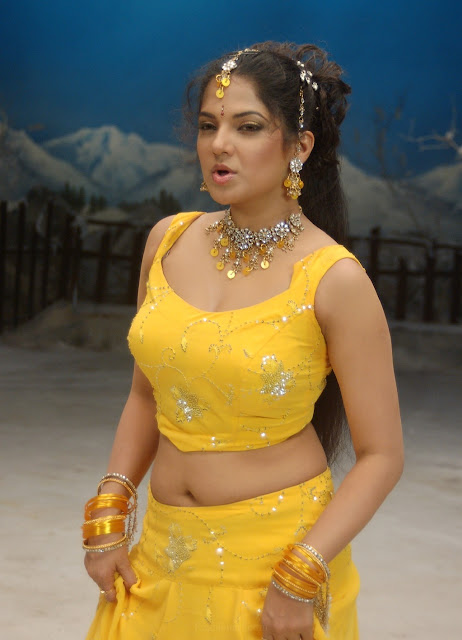 diya in yellow churidar actress pics