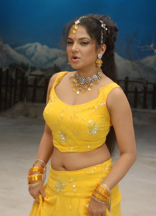 diya in yellow churidar actress pics