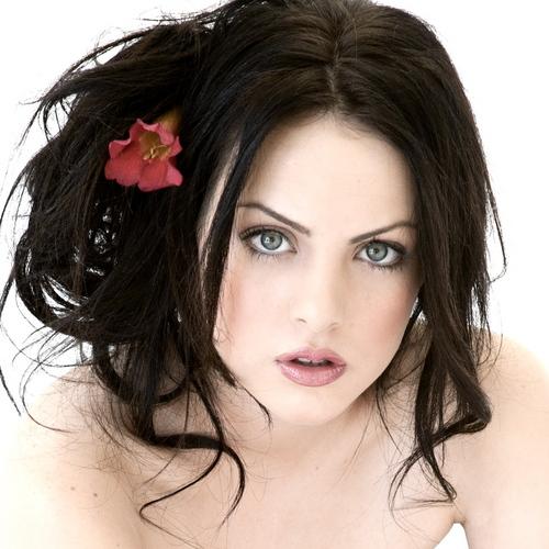 Atenea Blossom Liz_gillies_sexy4
