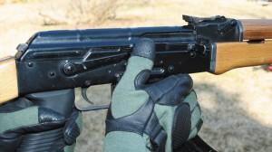 Cara Menggunakan AK-47 yang Baik dan Benar