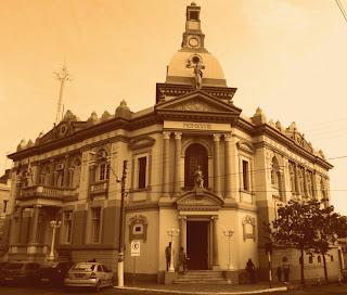 Prefeitura de Dom Pedrito: Construção em Estilo Neoclássico