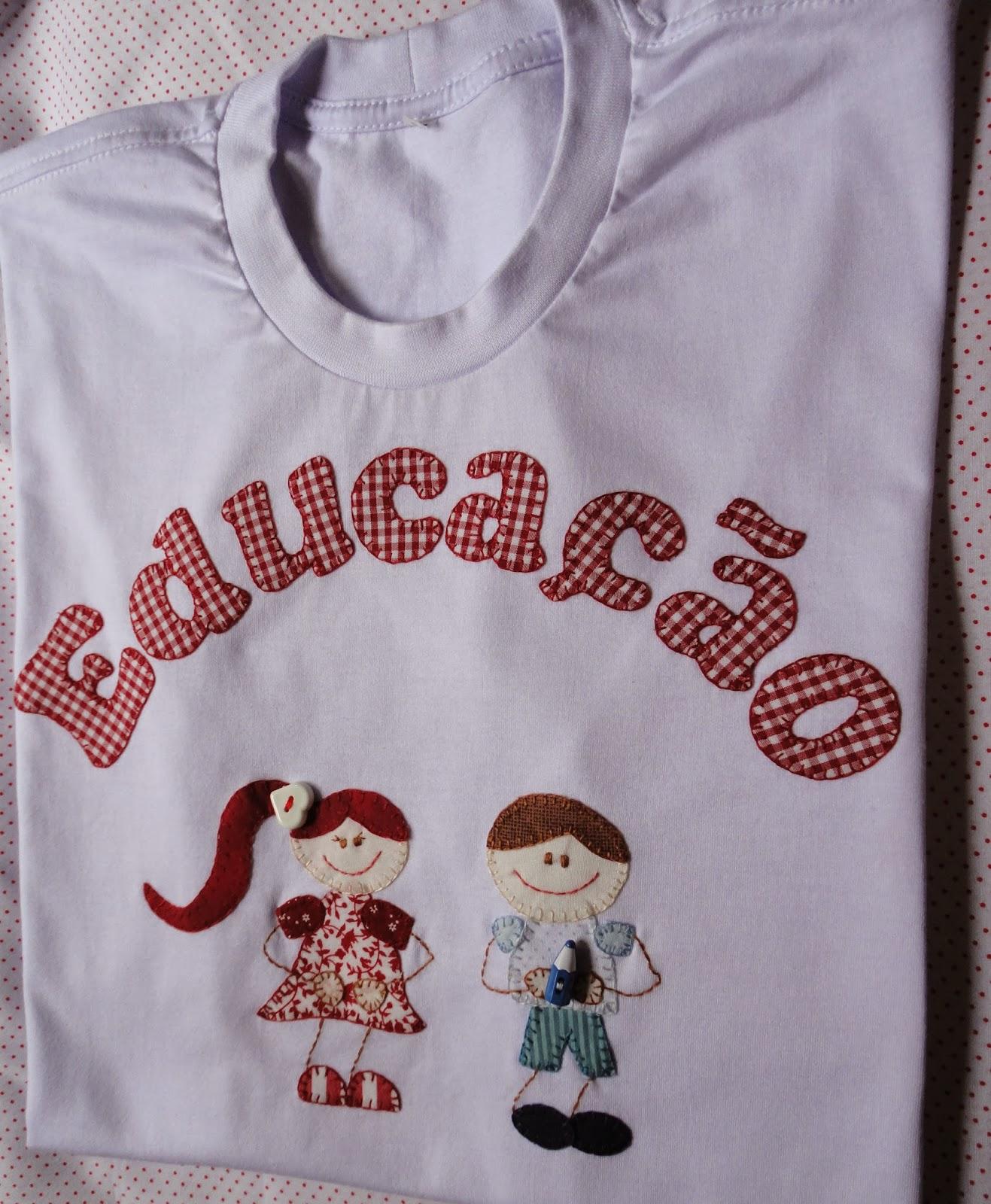 Camiseta 100% algodão manga curta personalizada com a técnica de patch  apliqué f78d92c3673d1