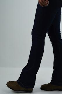Pantalón boot cut
