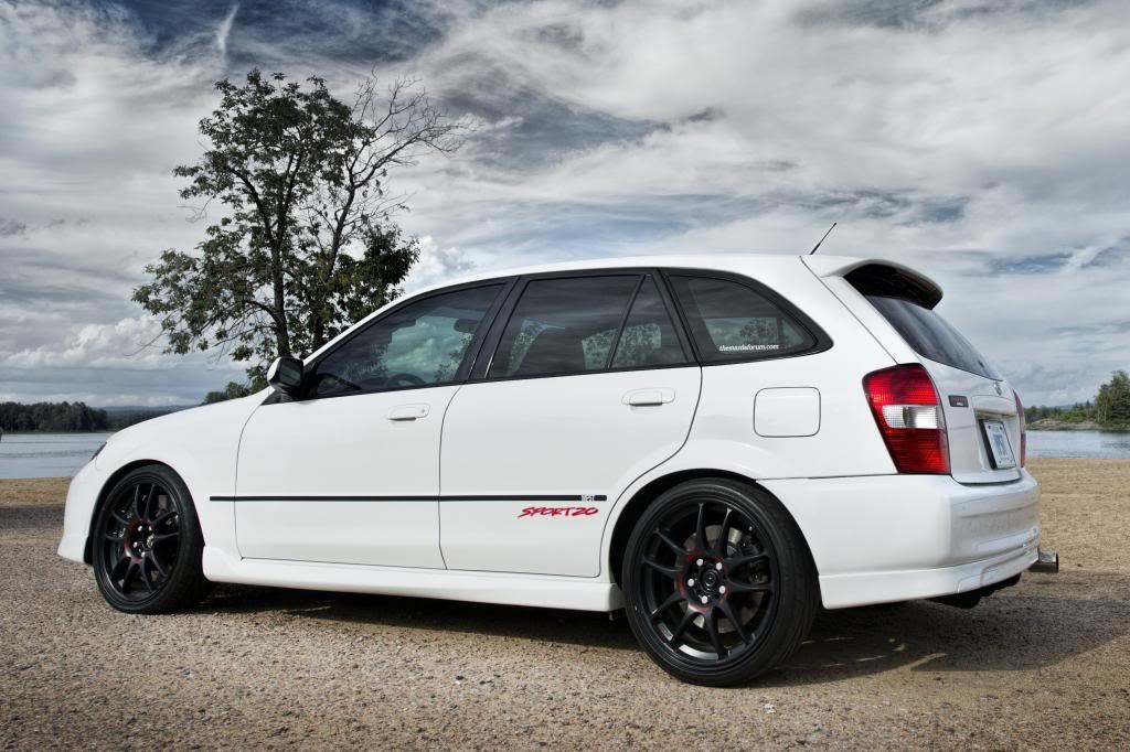 Mazda Familia Sport20, wagon, kombi, hatchback, biały, japońskie auto, kultowy samochód, znany