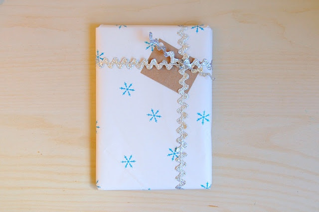 use ric-rac for gift wrapping