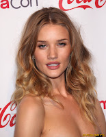 Rosie Huntington Whiteley CinemaCon 2011 Awards