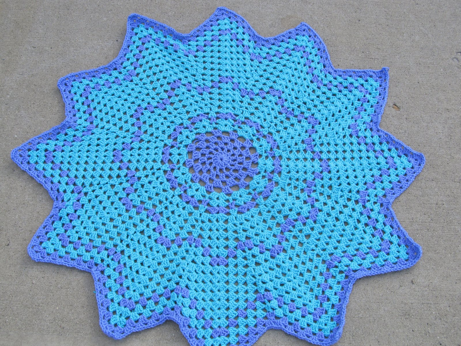 Crochet Stitches Granny Ripple : SmoothFox Crochet and Knit: SmoothFoxs Granny Round Ripple 12 and 8 ...