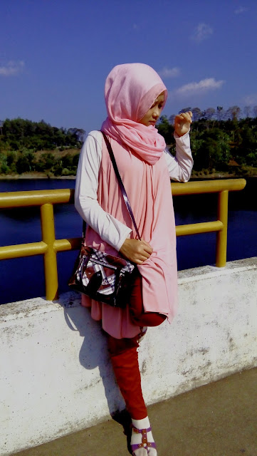 blogger hijab cantik indonesia terbaru