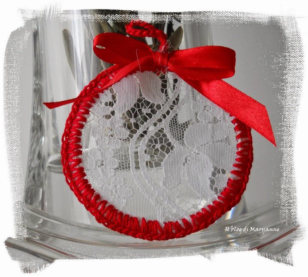 decorazioni per l'albero di pizzo regalino fai da te per natale, regalo handmade