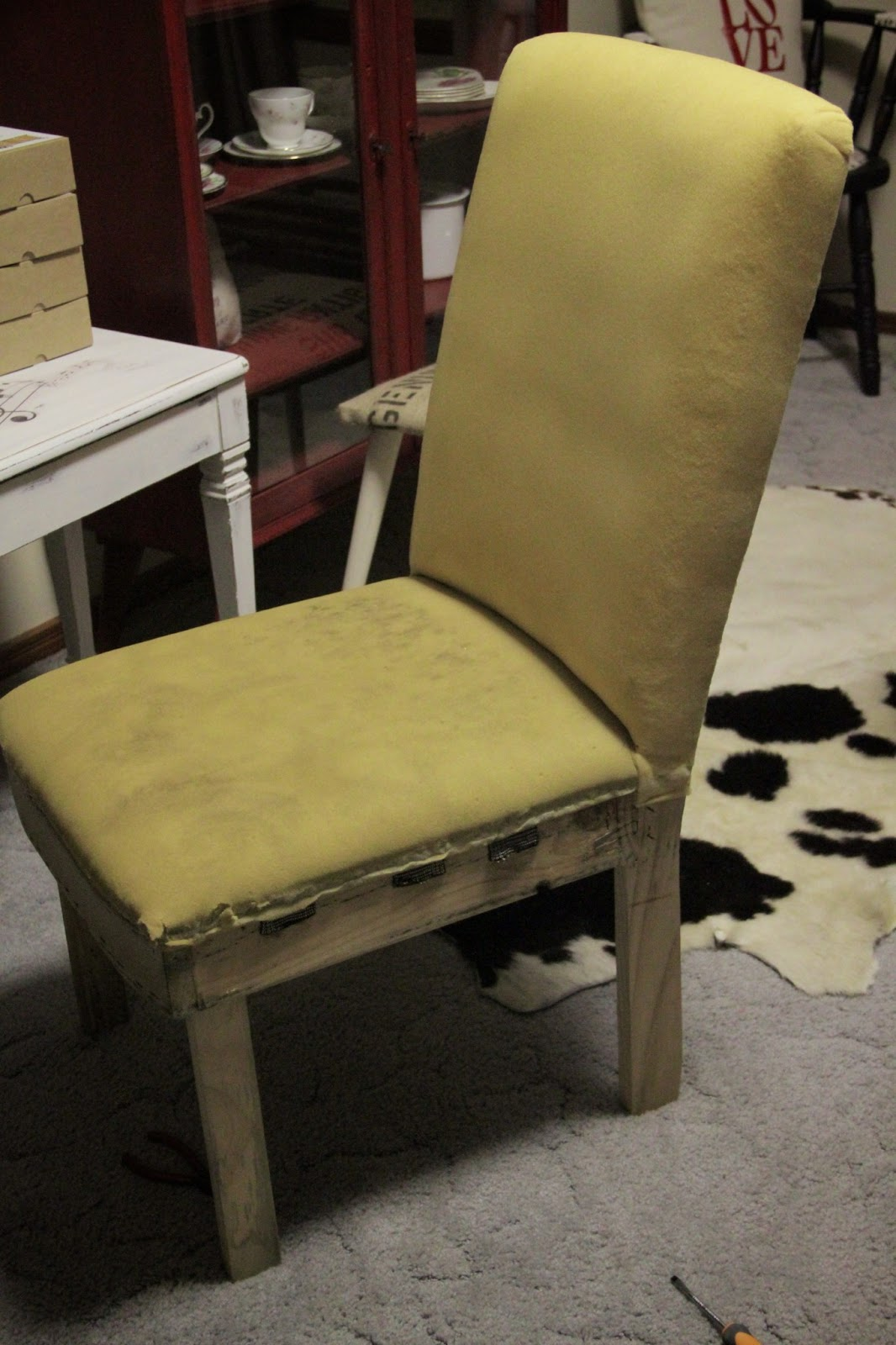 Diy chair upholstery - This Was The First Time I D Recovered Any Kind Of Fully Upholstered Furniture I Had Done The Odd Dining Chair With Cushioned Seat Or A Footstool