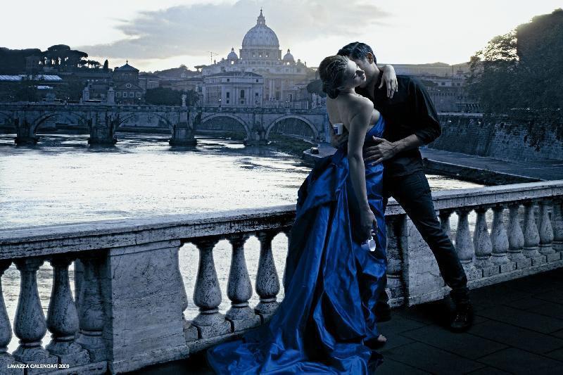 Bonita escena romántica de enamorados