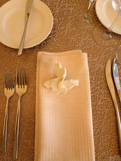 Neutral textured place setting - Photo by Patricia Stimac, Seattle Wedding Officiant