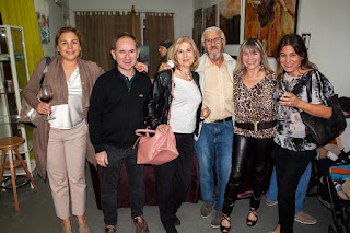 Amigas de Internations junto con Manuel Ayllón y Marisa.