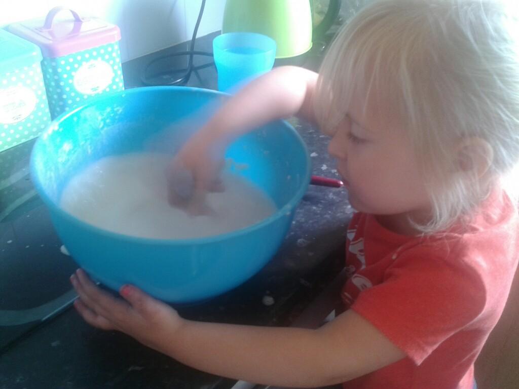 Baking powder to strip dye