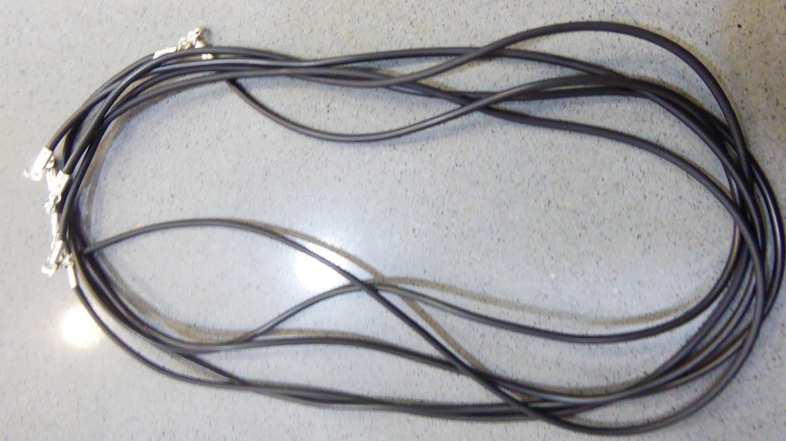 Cordones de caucho con terminales de plata