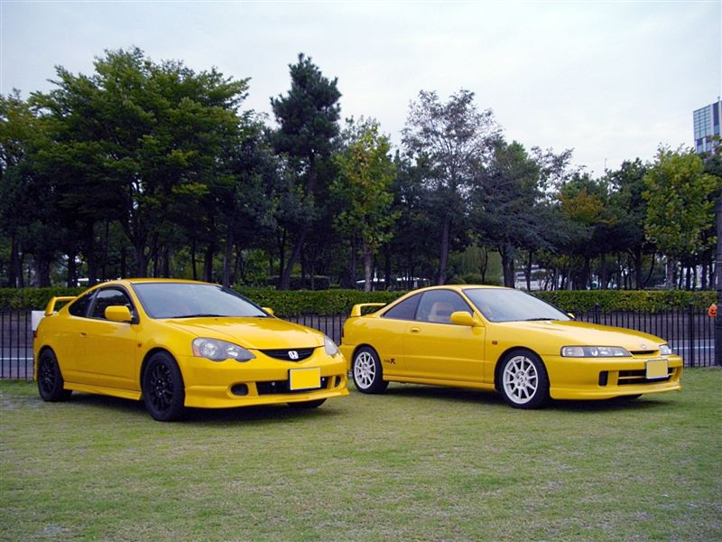 Honda Integra DC5 & DC2, kultowe samochody, sportowe modele z lat 90, cenione auta, VTEC, billeder, żółta, yellow