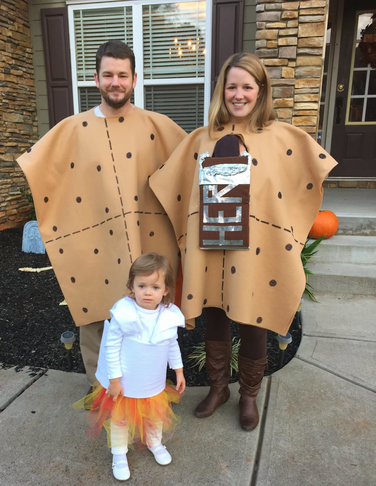 As much as I try I am not a very crafty person...but I was pretty proud of these costumes! Ben and I were graham crackers Peyton was the marshmallow with ...  sc 1 st  This Unfamiliar Road : graham cracker costume  - Germanpascual.Com