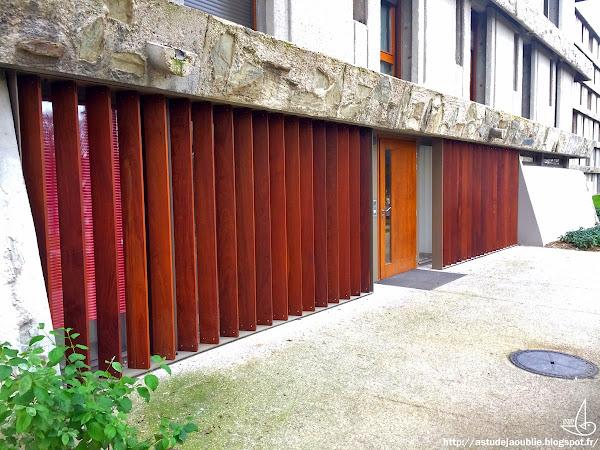 Créteil - Quartier des Bleuets, 10 bâtiments (1 détruit en 2012)  Architecte: Paul Bossard  Construction: 1959 - 1962