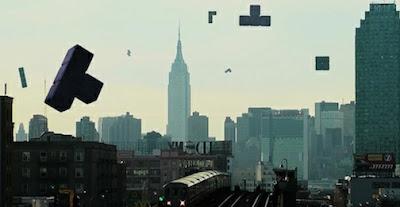 tetris de la vida real cayendo sobre ciudad y edificios